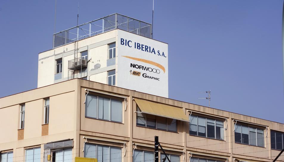 Els sindicats alerten del possible tancament de la planta BIC Graphic