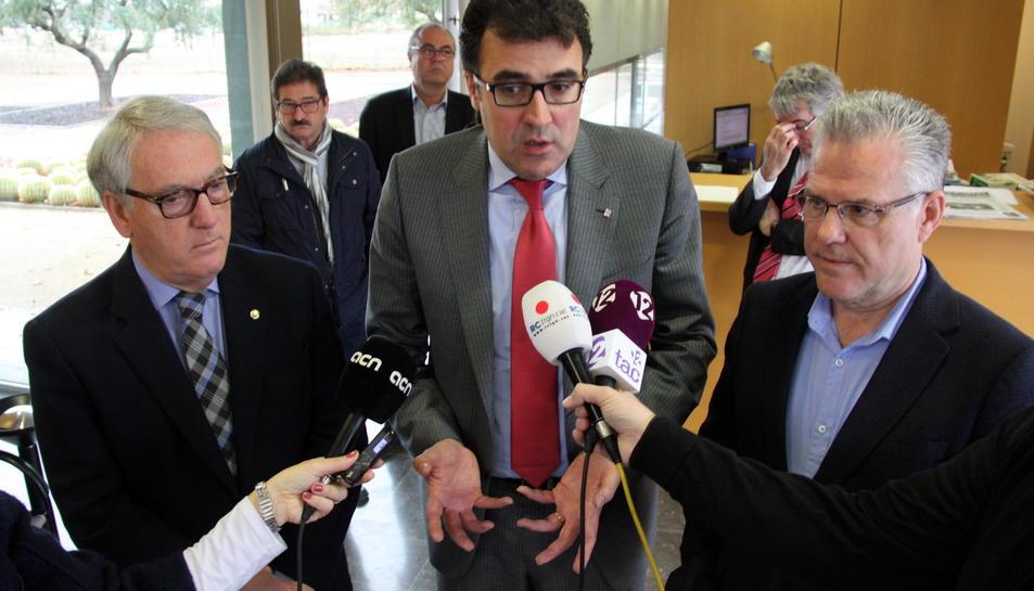 El Govern català llença pilotes fora a l'hora de concretar els detalls d'una consulta pel CRT