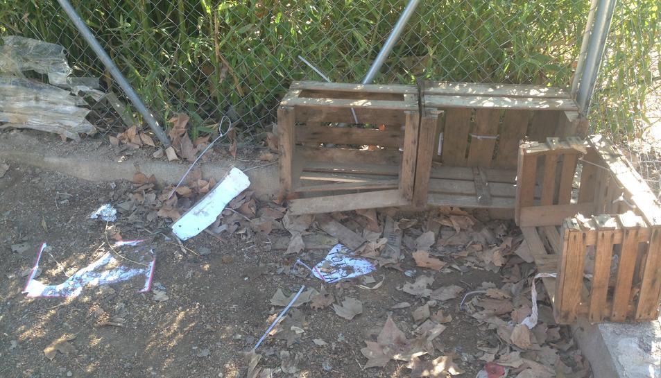 Els alumnes de Cabra del Camp denuncien la destrossa en la cuineta