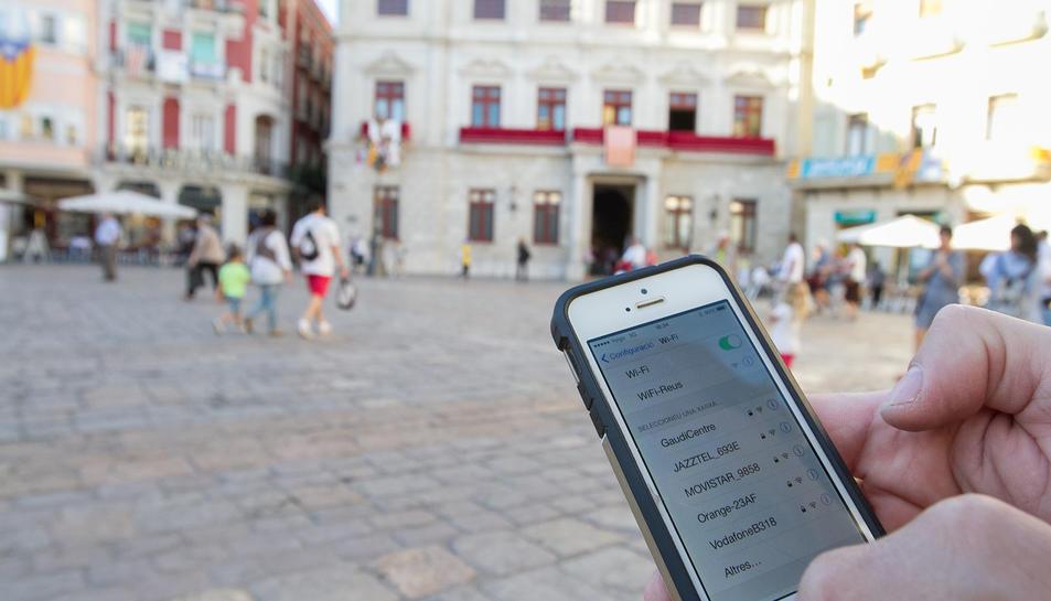L'Ajuntament percebrà 125 euros per cada punt de la xarxa wifi ciutadana