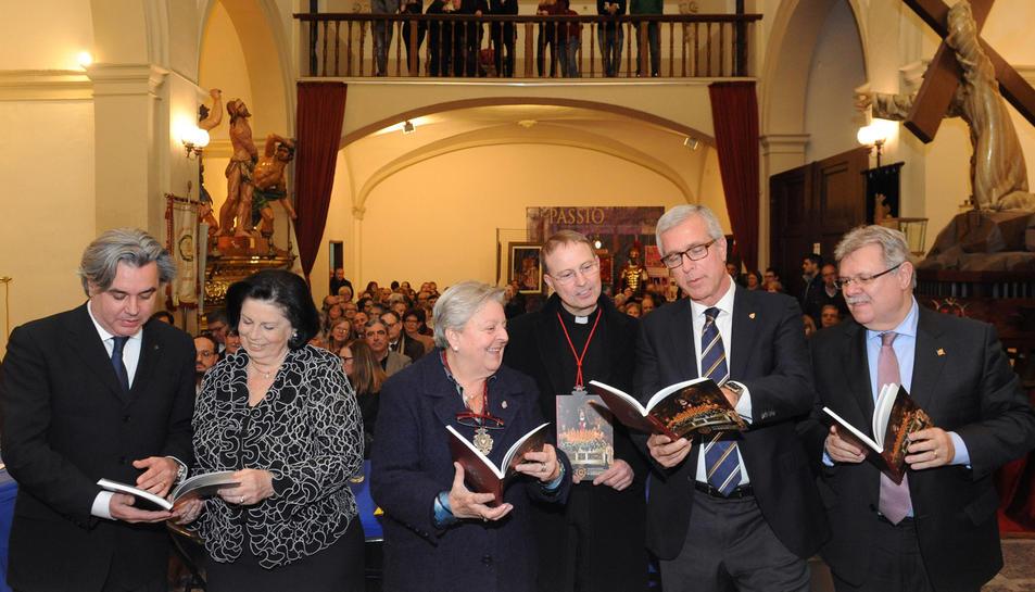 La Congregació de la Soledat celebra el 25è aniversari del pas portat a espatlles