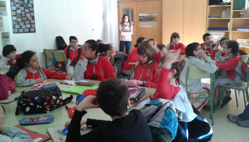 L'interior d'una classe de l'escola Valdelors de Vandellòs.