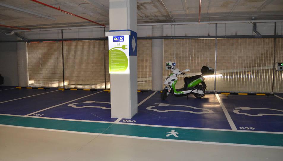 La xarxa municipal de recàrrega de vehicles elèctrics de Reus registra més de 2.200 usos el 2015