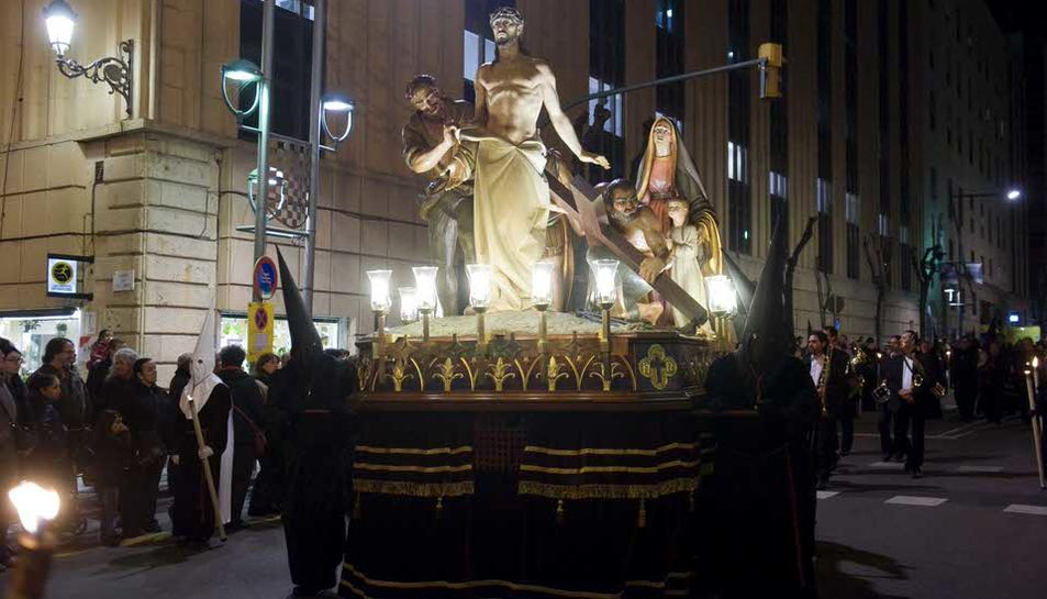 La Germandat de Natzarè luce los vestidos renovados del misterio más antiguo