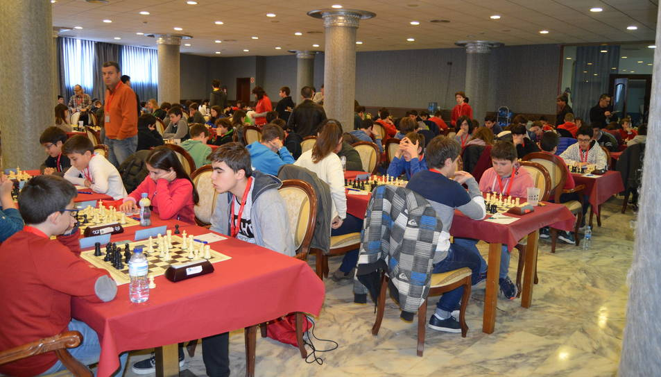Els millors jugadors infantils d'escacs competeixen a la Pineda