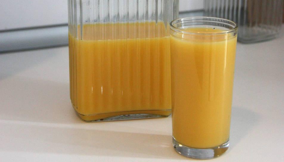 La URV investiga amb el suc de taronja