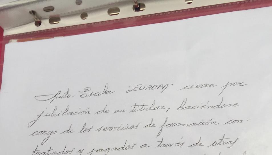 Document que va escriure la propietària de l'autoescola a alguns alumnes.