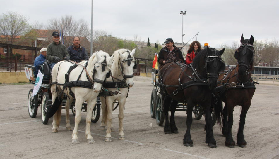 Tres carruatges de cavalls francesos surten d'Amposta per unir l'Ebre amb Doñana