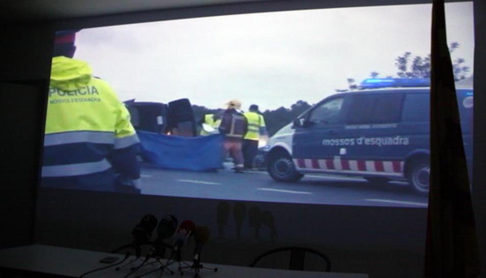 Imatge del passi a la premsa del documental sobre la sinistralitat de l'N-340 del moviment veïnal per una AP-7 gratuïta.