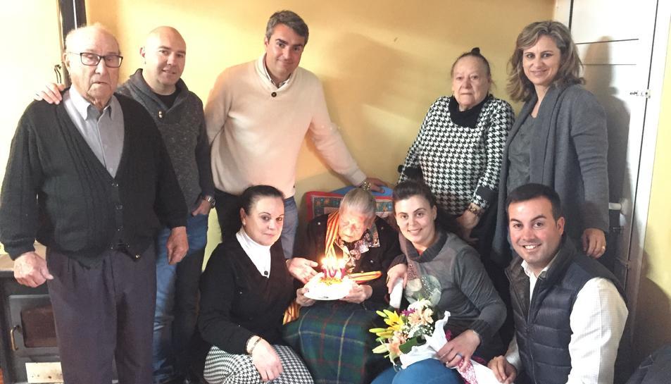 Deltebre homenatja a Cinta Miró pel seu 107è aniversari