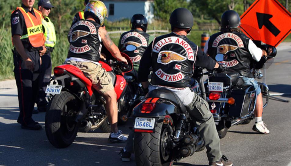 Imatge d'una marxa del grup Motor Club Hells Angels.