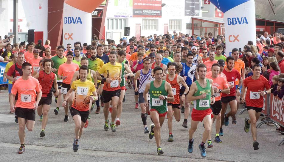 Els corredors han sortit des del Nou Camp.