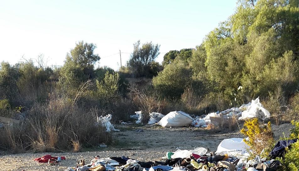 Pla general d'un abocador il·legal al Camí del Llorito de Tarragona, que ja ha estat netejat