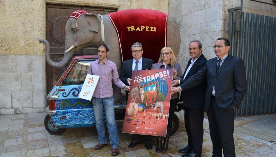 Malabarisme i circ de gran format per celebrar la 20a edició del Trapezi