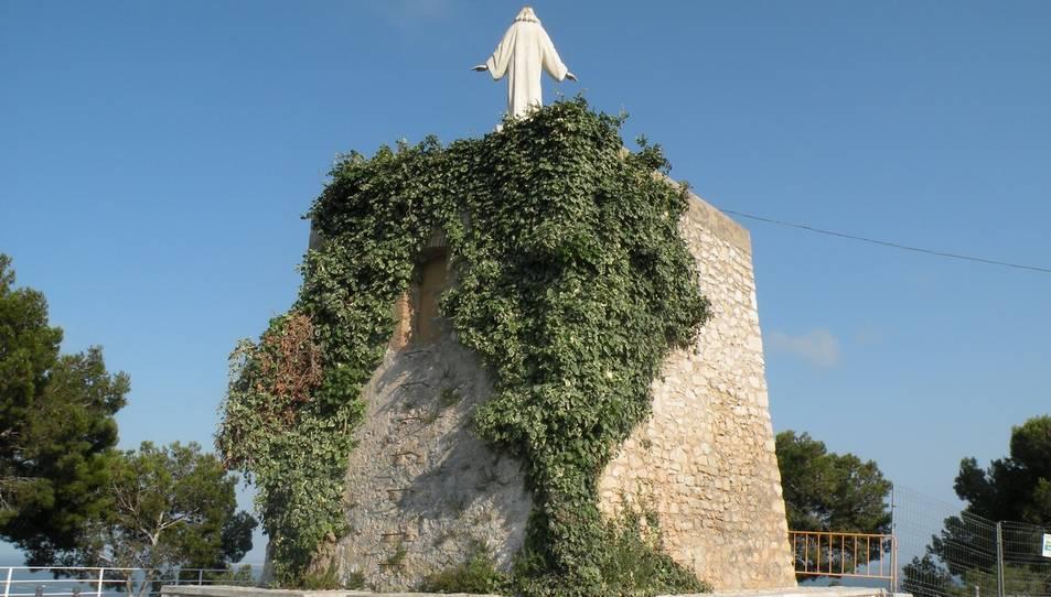 El Síndic investiga dos ajuntaments per mantenir monuments franquistes