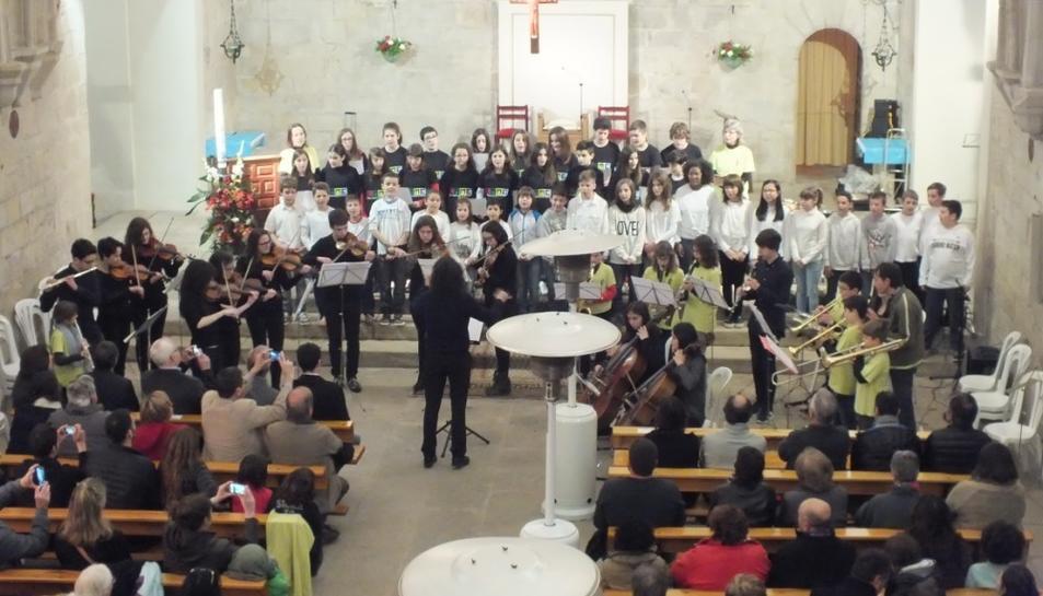La música inunda l'església de Sant Salvador de Vimbodí i Poblet amb el Concert Comarcal de Primavera