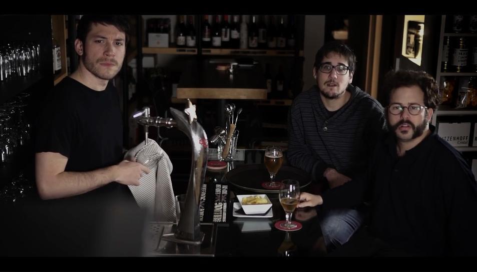 Enzo Vizcaíno, Haciendo la Mierda, Los Martínez i Tomás Fuentes, a Reus