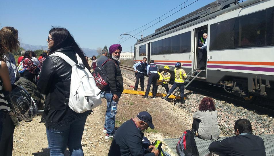 Evacuen els passatgers d'un tren a Tortosa per una avaria elèctrica