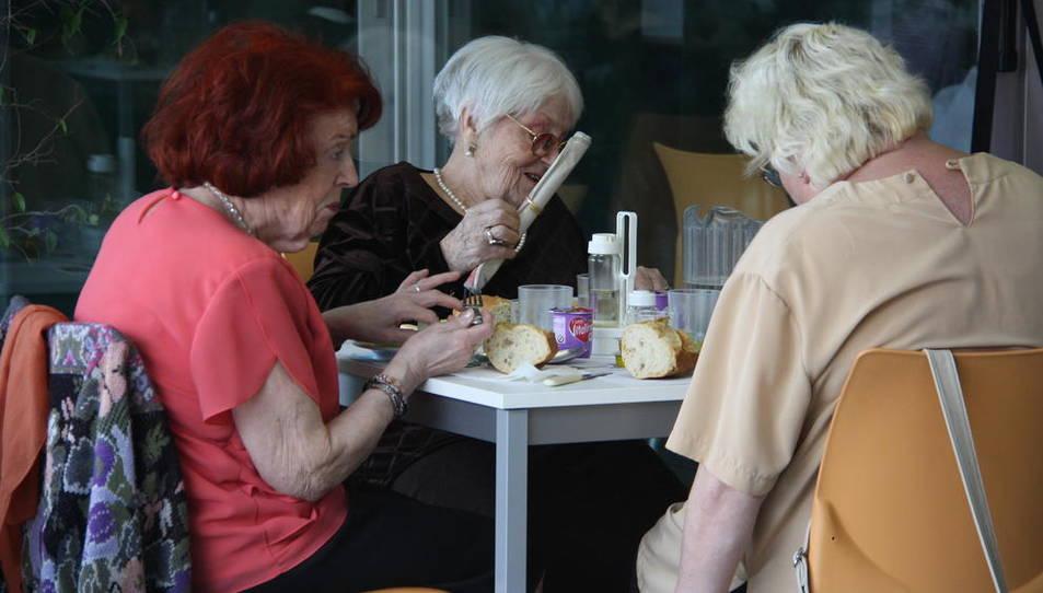 L'Associació de Gent Gran reclama facilitats per accedir a les residències públiques