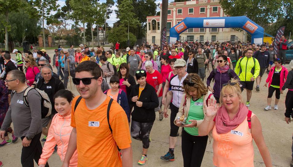 La caminada popular de primavera Rutes Reus entre Reus i la Pineda ha aplegat, aquest diumenge, un total de 681 inscrits. Els participants han recorregut un itinerari de 12 Km amb sortida al Parc de Mas Iglesias i arribada a la platja de la Pineda de Vila-seca.