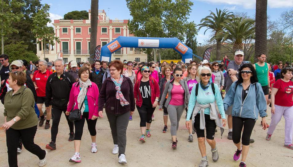 Gairebé 700 persones participen a la caminada entre Reus i la Pineda