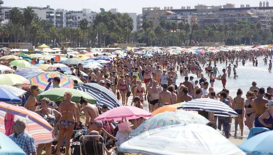 Un 40% dels turistes de la Costa Daurada no visiten l'interior perquè 'han vingut a la platja'