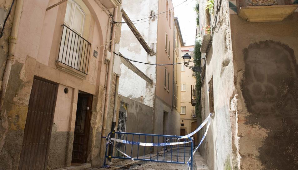Una biga es desprèn al carrer de les Moles sense causar ferits