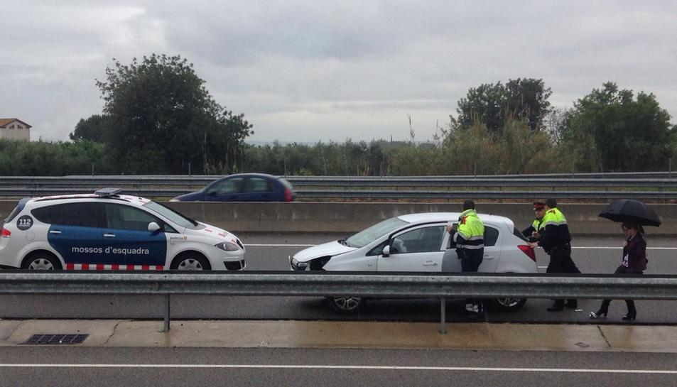 La pluja provoca dos accidents de trànsit al Baix Camp