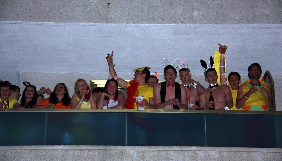 Un grup de Saloufest al balcó d'un hotel, en una imatge d'arxiu de 2015.