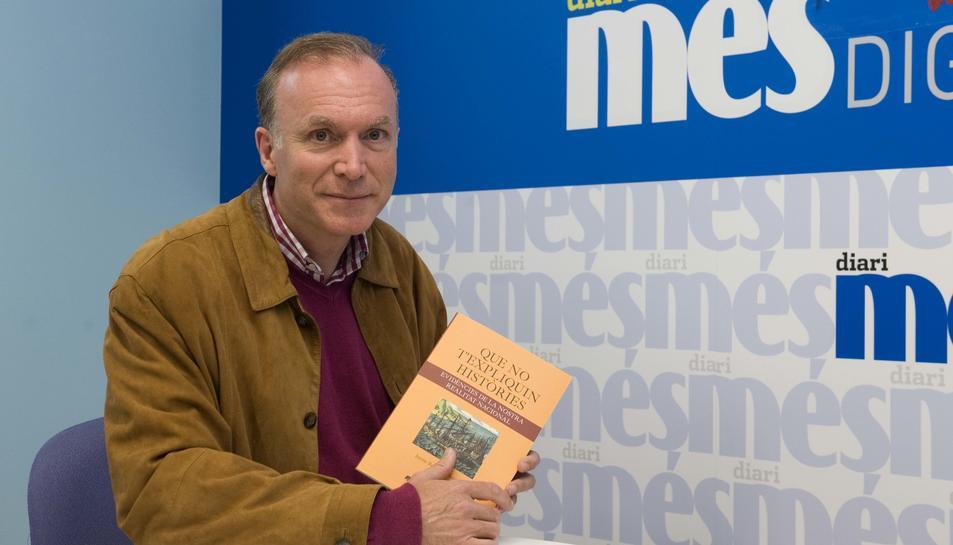 Jaume Benages és l'autor de 'Que no t'expliquin històries'