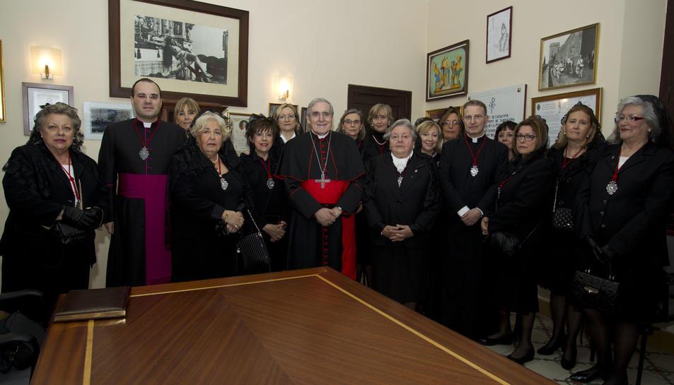 El Cardenal Sistach visita la Congregació de Senyores de la Puríssima Sang