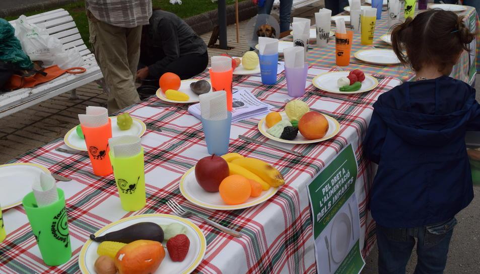 Reivindicació per la millora de les beques menjador i els casals d'estiu