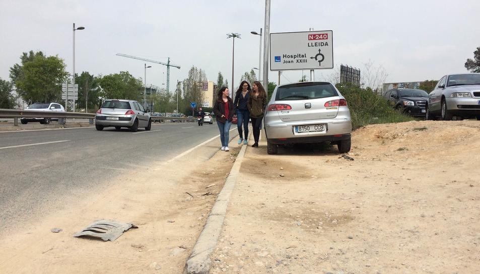 Els vianants reclamen un recorregut segur entre el centre i SPiSP