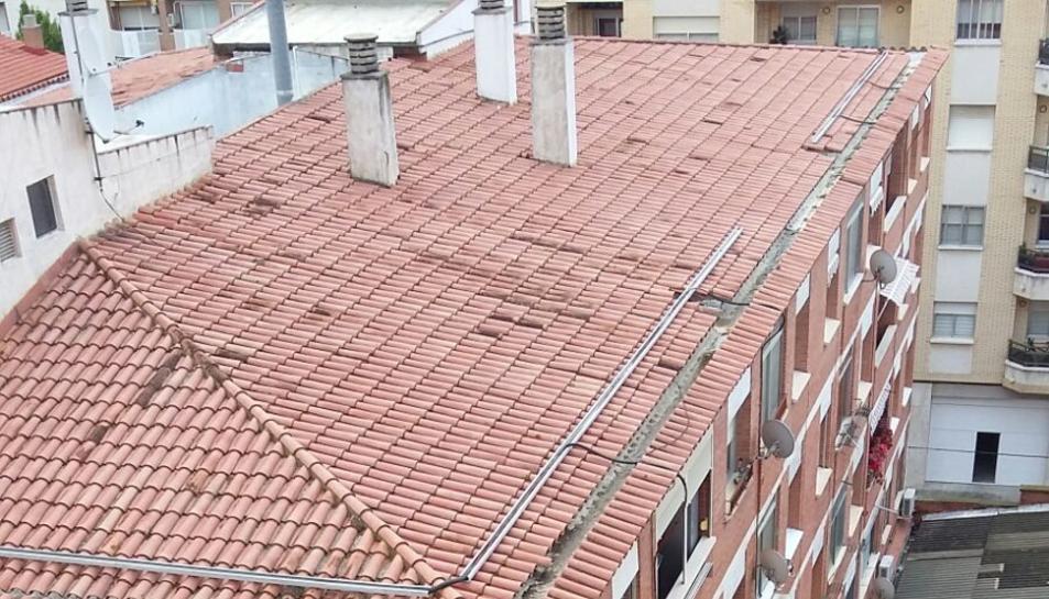 Preocupació entre els veïns de l'associació del Santuari per un sostre d'amiant