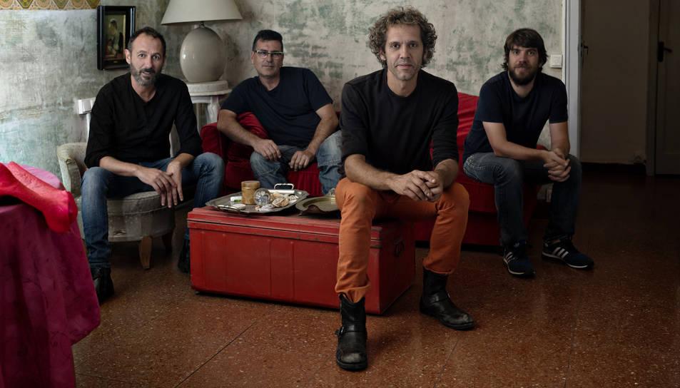«Vam  passar del punk al pop a base de penitència, fent versions de Nino Bravo i Rosario»