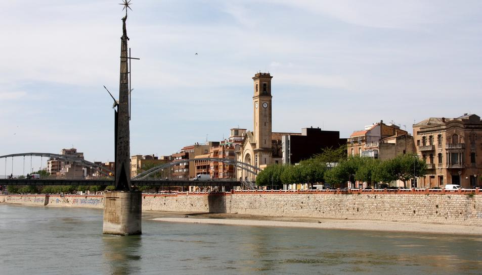 Els veïns de Tortosa decidiran el futur del monument franquista de la batalla de l'Ebre