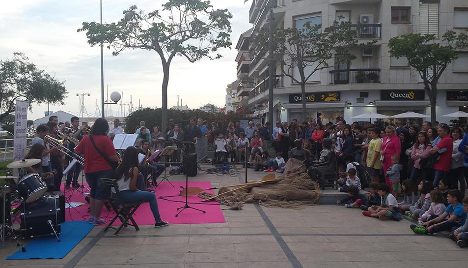 'Cambrils Comerç de Nit' reivindica el potencial comercial del municipi