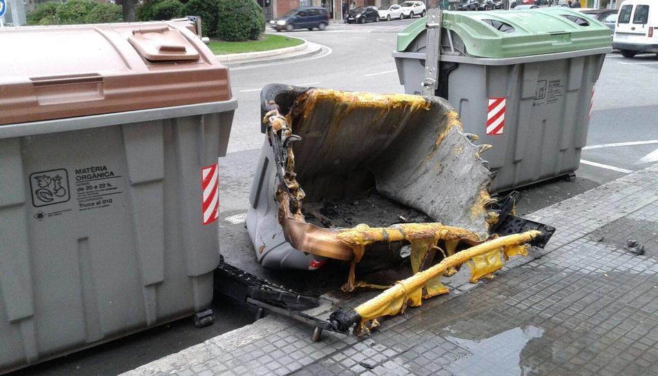 La Policia Local busca al presumpte piròman dels contenidors.