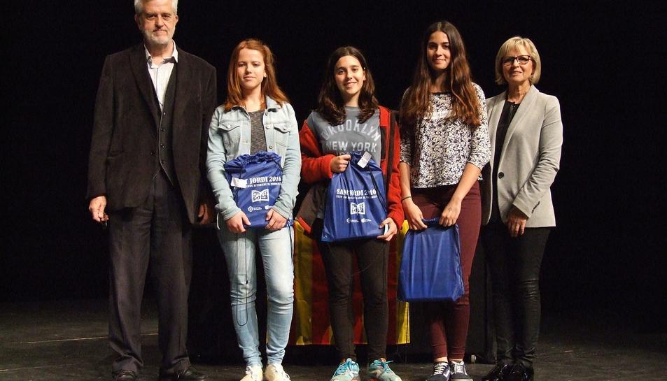 La XLIV edició del Concurs Literari Sant Jordi del Vendrell, organitzat per l'Ajuntament i adreçat als alumnes dels centres escolars del municipi, ha comptat amb la participació de 1.278 infants i joves de 3r de primària fins a 2n de batxillerat.