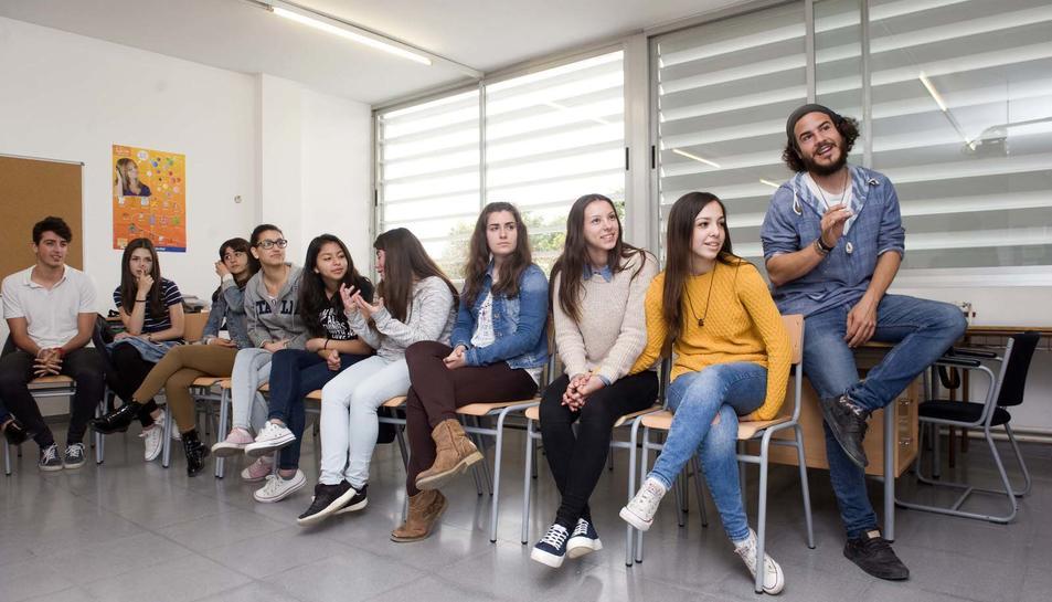 Els joves parlen clar sobre l'autoestima, la tolerància, les relacions i el sexe