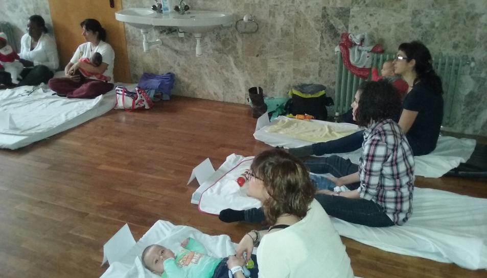 El CAP La Granja fa un taller de massatge infantil