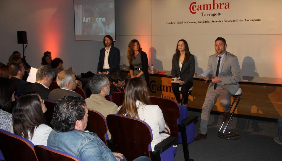 Pla general d'un moment de l'acte 'AutONoms', a la Cambra de Comerç de Tarragona. Imatge del 30 d'abril de 2016