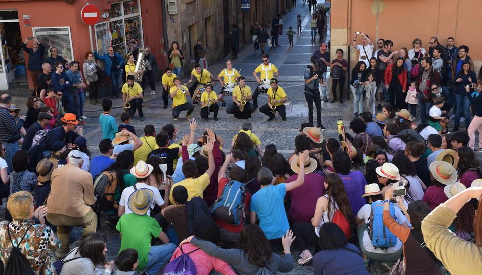 La plaça de les Cols ha reviscut les festes de Santa Tecla.