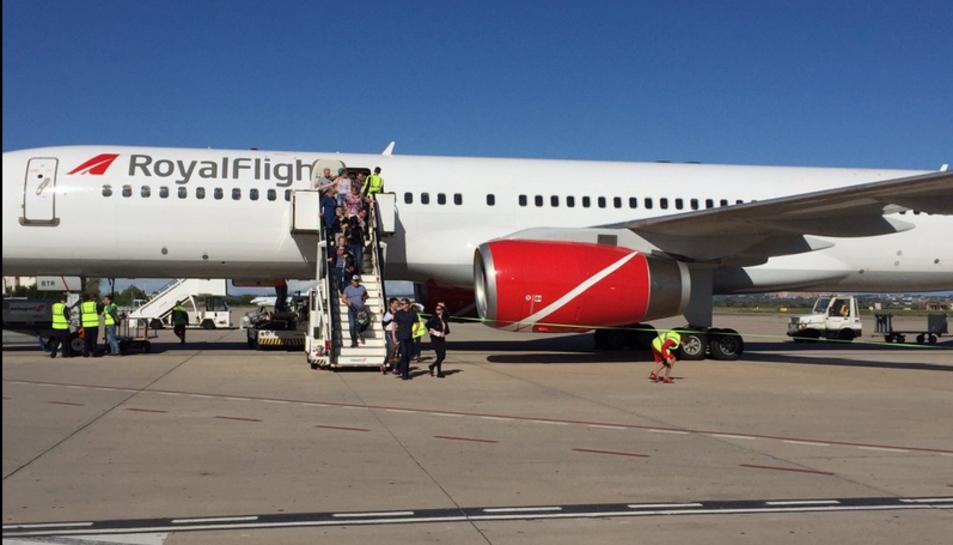 Els turistes van aterrant a l'Aeroport de Reus des principis d'abril.
