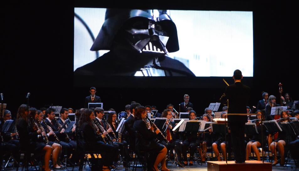 Els superherois i la seva música sedueixen el públic del Teatre Tarragona