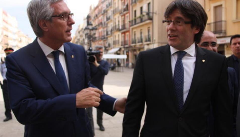 Josep Fèlix Ballesteros, alcalde de Tarragona, i Carles Puigdemont, president de la Generalitat.