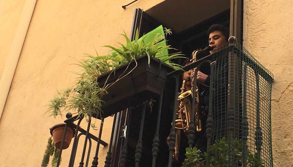 Els racons del Barri Antic s'omplen de notes i dansa amb 'Música als balcons'