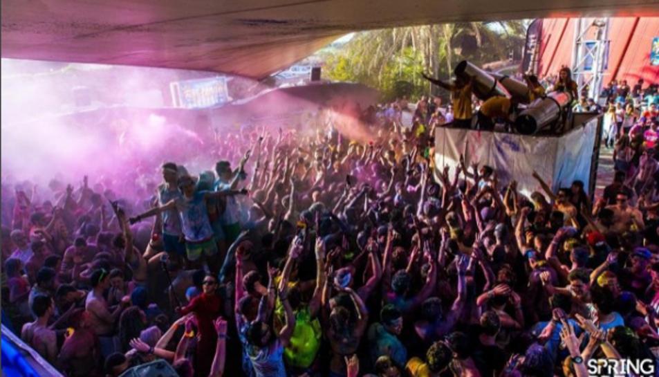 Les xarxes socials confirmen la presència dels joves francesos del paquet turístic Fun Break a Salou