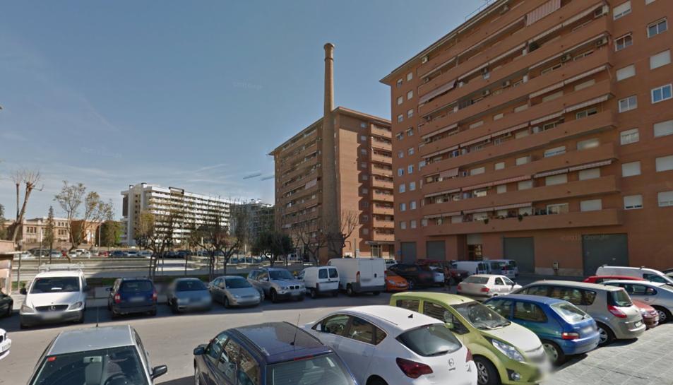 Plaça General Domènech i Batet, on van enxampar al presumpte lladre de gasolina.