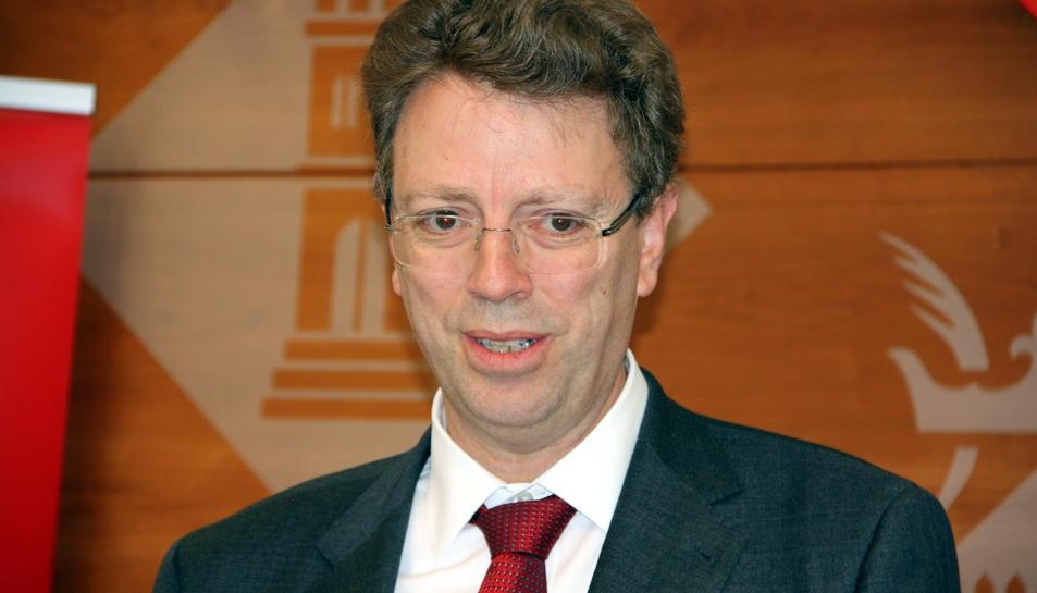 Primer pla de l'alcalde de Tortosa, Ferran Bel. Imatge del 12 de maig de 2016